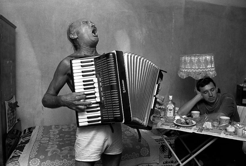 http://www.secondband.cz/Obrazky_Loga/Harmonika.jpg